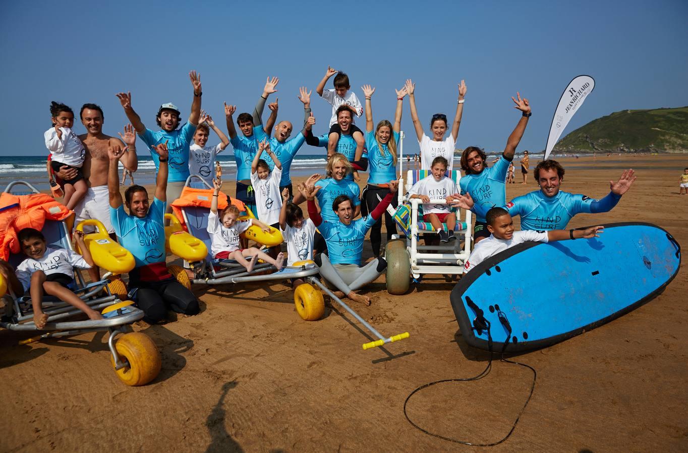 Surf solidario en Zarautz
