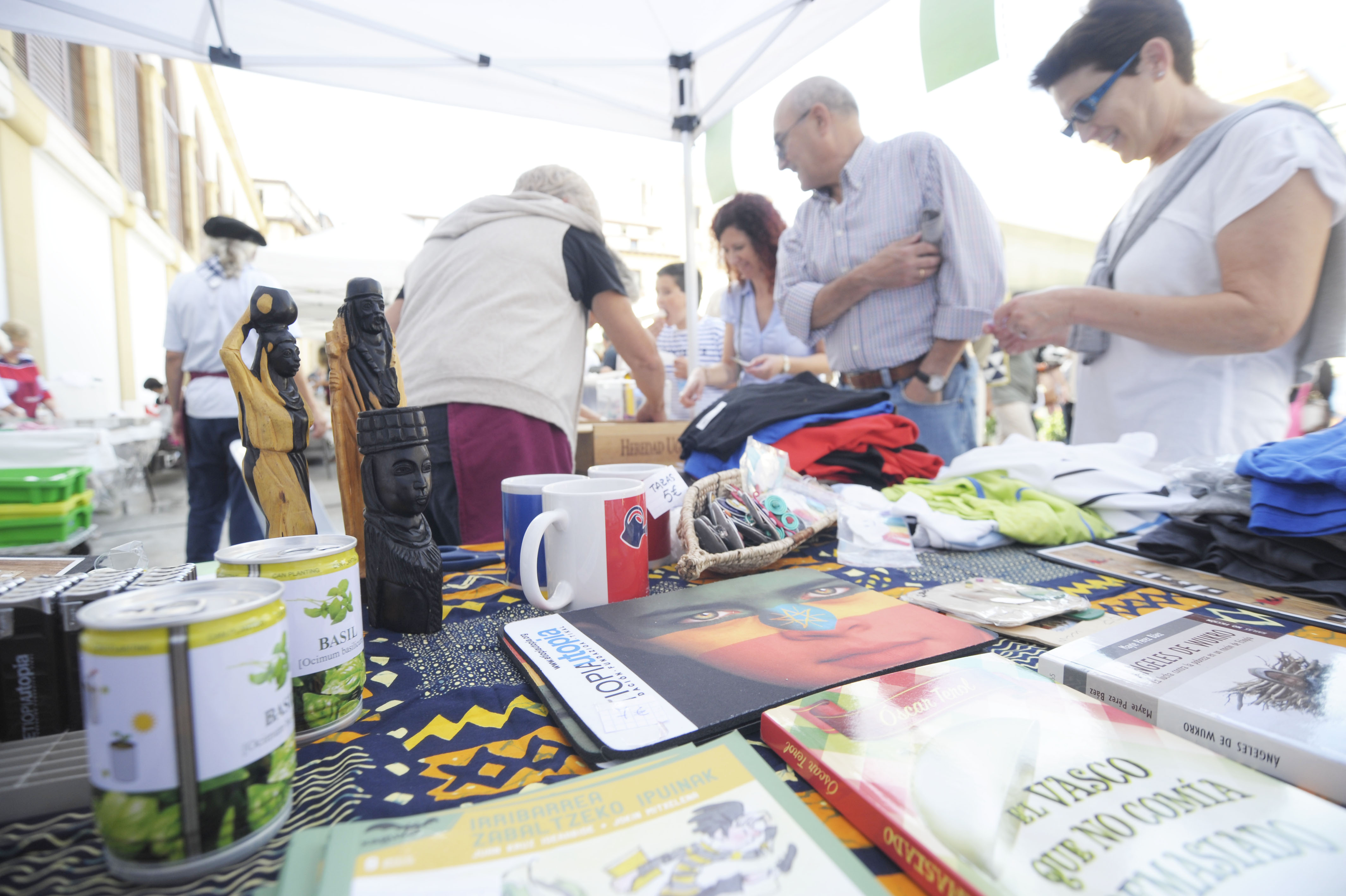Buen ambiente en el Concurso de merluza a la donostiarra en La Bretxa
